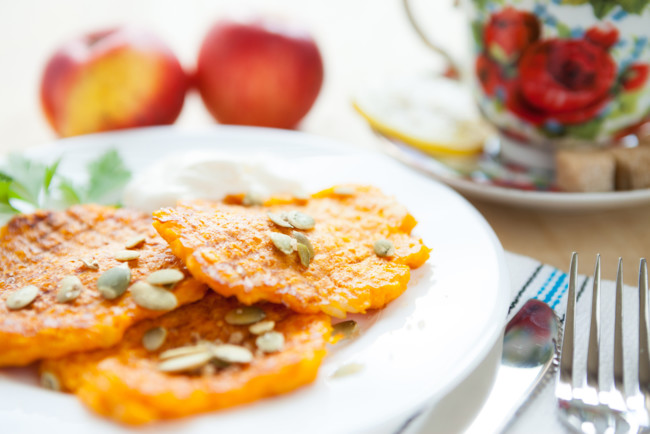 How To Make Pumpkin And Apple Pancakes For Breakfast