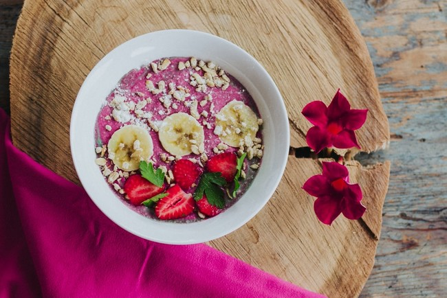 Banana Strawberry Smoothie Bowl: An Easy Recipe For Breakfast