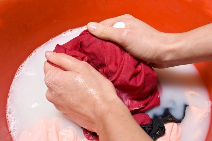 How To Remove Oil Stains From Fabrics Effectively